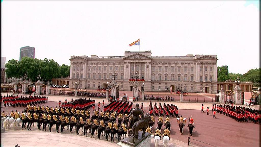 The return to Buckingham Palace  The return to B...